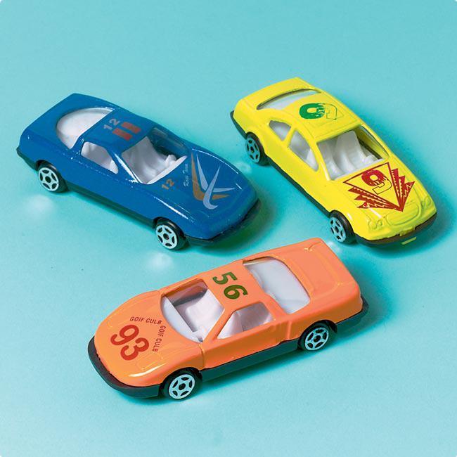 kleine autos kleine autos gro er durst kleinwagen im. Black Bedroom Furniture Sets. Home Design Ideas